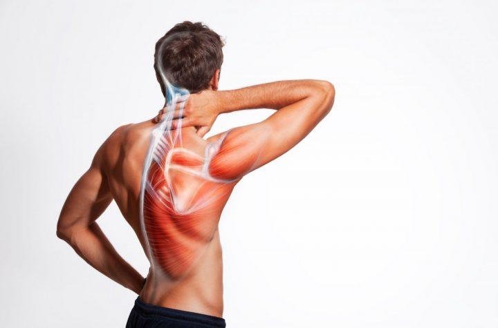 mięsień czworoboczny ból