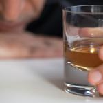 Czy to już uzależnienie? Sprawdź czy Twoje picie alkoholu to już choroba
